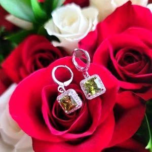 18k White gold plated dangling earrings